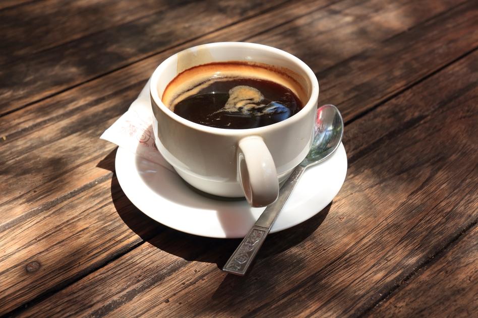 фото кофе американо, сделанного в домашних условиях