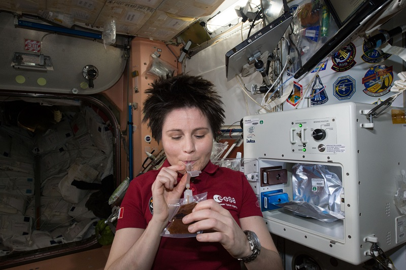 фото кофе Лавацца в космосе