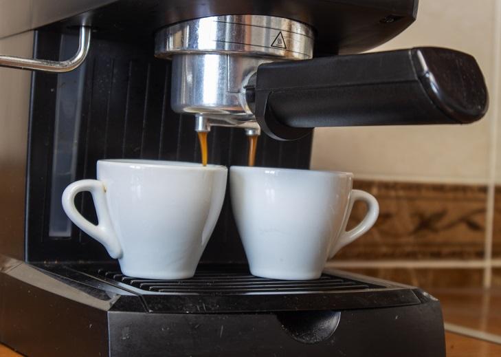фото приготовления эспрессо в кофемашине