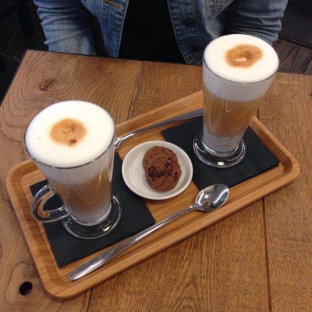 фото как правильно пить и чем закусывать латте макиато