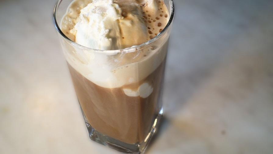 фото айс кофе с мороженым