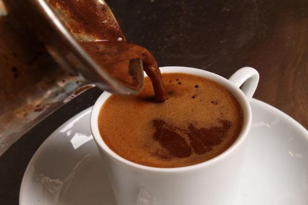 фото как сварить кофе с пенкой в турке