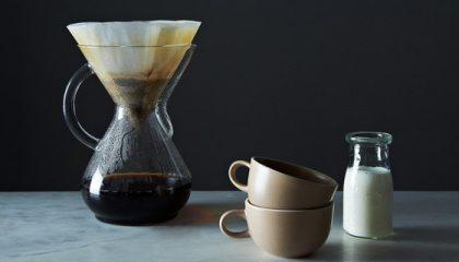 фото приготовления кофе в кемексе