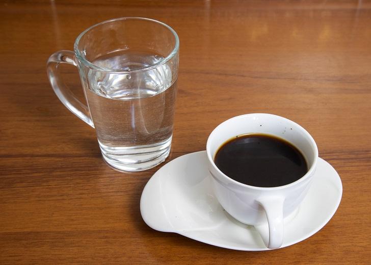 фото зачем нужна вода к кофе