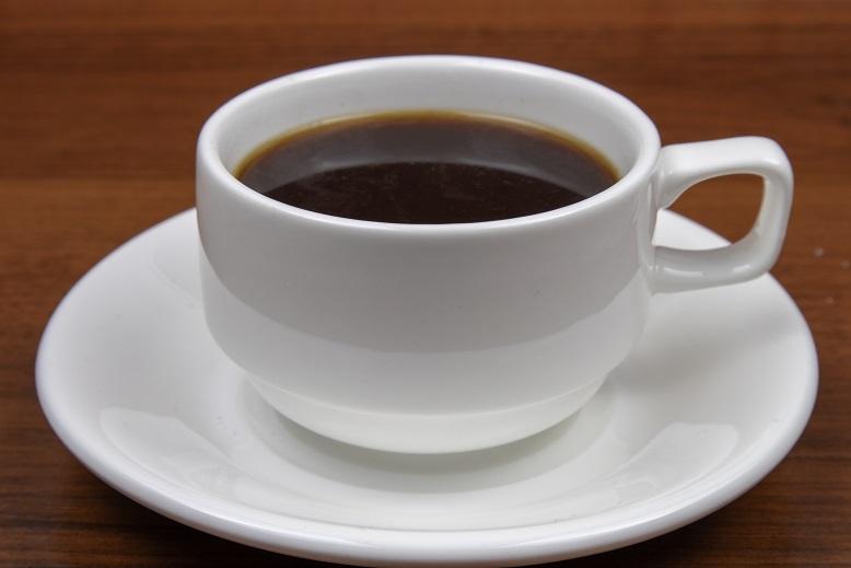 фото кофе в белой чашке