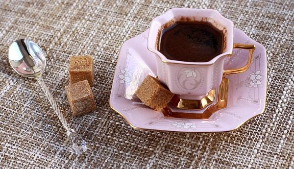 кофе в чашке по-кубински