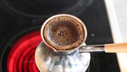 фото как правильно готовить кофе в турке с пенкой дома
