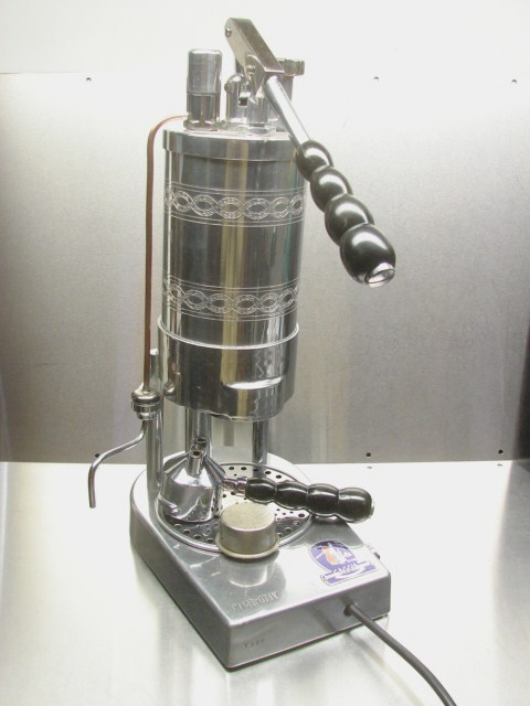 фото кофемашины gaggia 1948 года