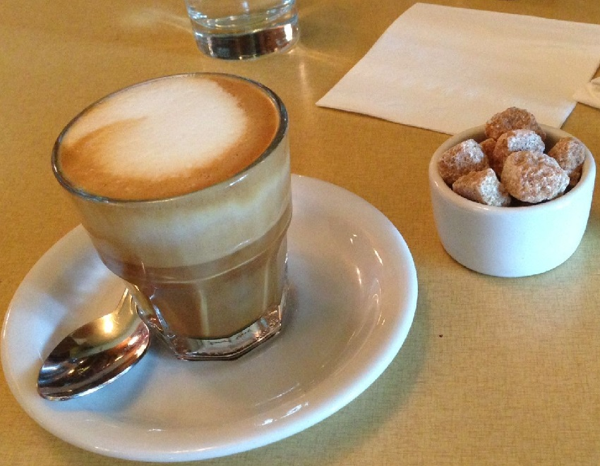 фото как правильно пить кофе Гибралтар