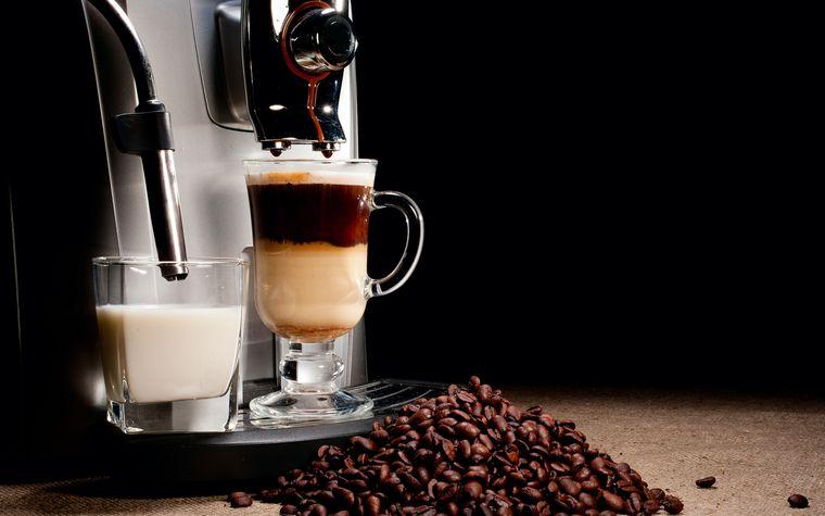 фото кофеварки с капучинатором