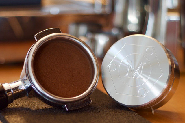 фото правильной темперовки кофе