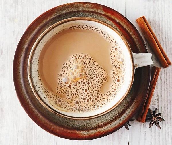 фото кофе масала, сделанного в кастрюле