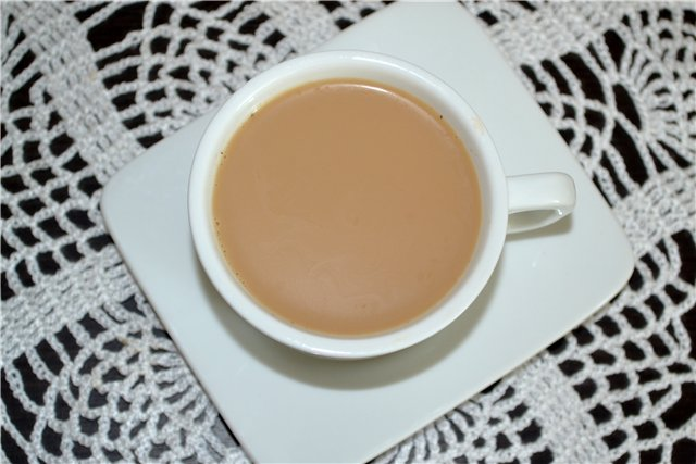 фото кофе масала, приготовленного во френч-прессе
