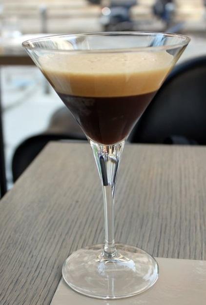 фото кофе шайкерато в бокале
