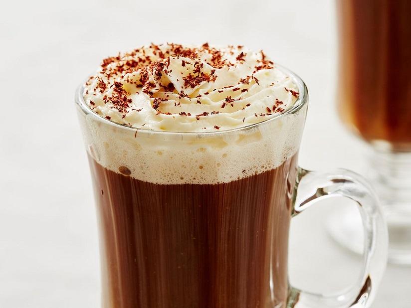 фото кофе по-французски с коньяком и сливками