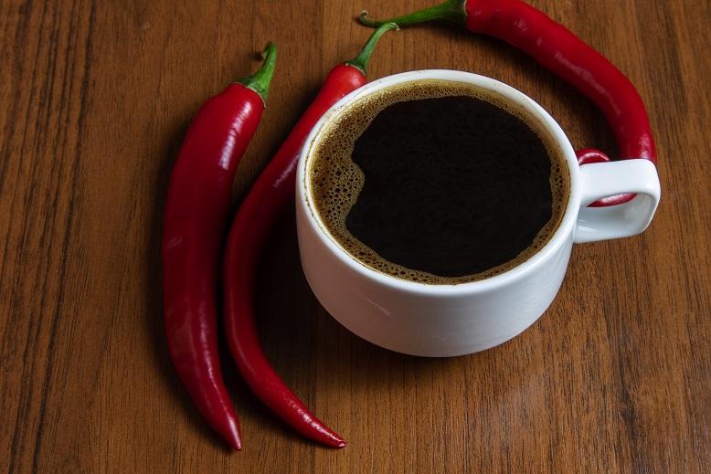 фото кофе с красным перцем чили