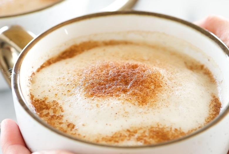 Кофе с корицей и мускатным орехом